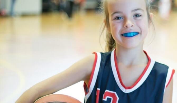 Sportinės kapos: kad dantys neišbyrėtų